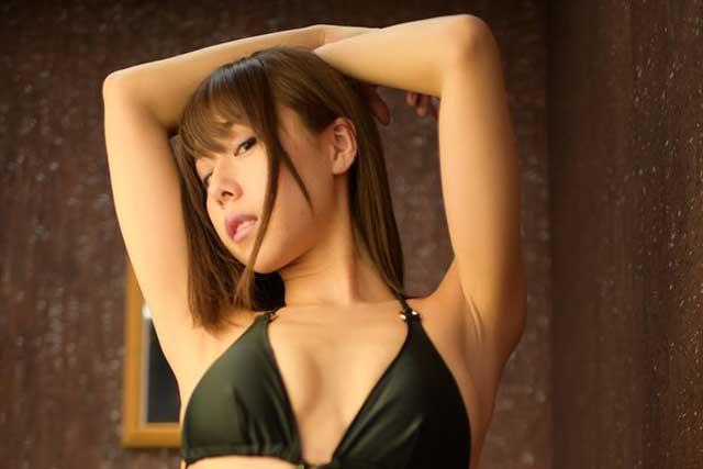 arai-yuko-gravure1